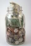 oszczędności w słoiku